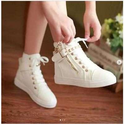 Vans canvas sneaker shoes